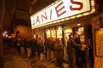 zanies-comedy-club_s345x230 chicago.jpg
